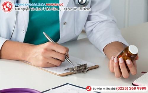 Dùng thuốc chữa đau rát âm đạo theo kê đơn của bác sĩ