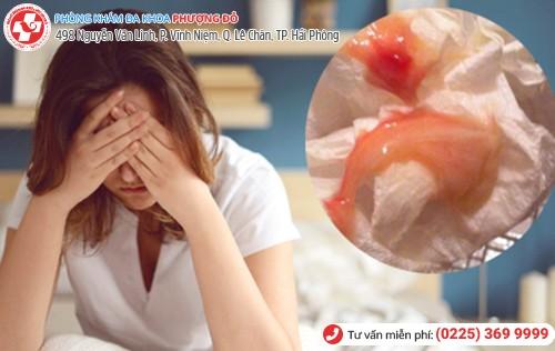 Khí hư có lẫn máu là dấu hiệu nhiều bệnh nguy hiểm