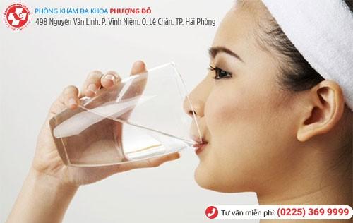Người bệnh nên uống nhiều nước